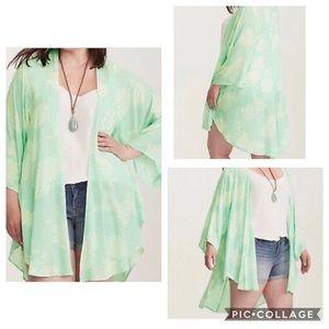 Torrid mint green floral kimono size 3/4
